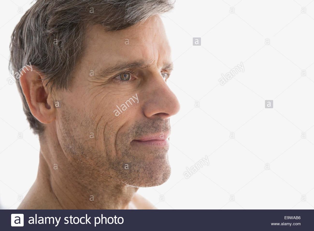 einen älteren Mann sehen