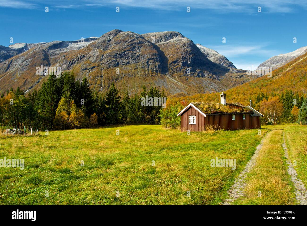 wood hut mountain norway stockfotos wood hut mountain norway bilder alamy. Black Bedroom Furniture Sets. Home Design Ideas