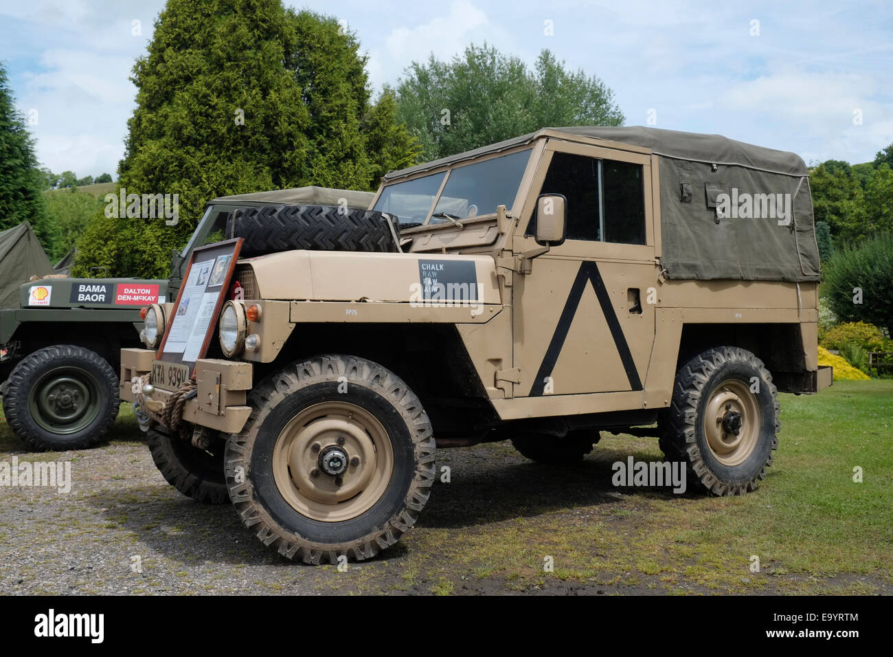 ein 1980 landrover serie iii leichtgewicht in british army. Black Bedroom Furniture Sets. Home Design Ideas