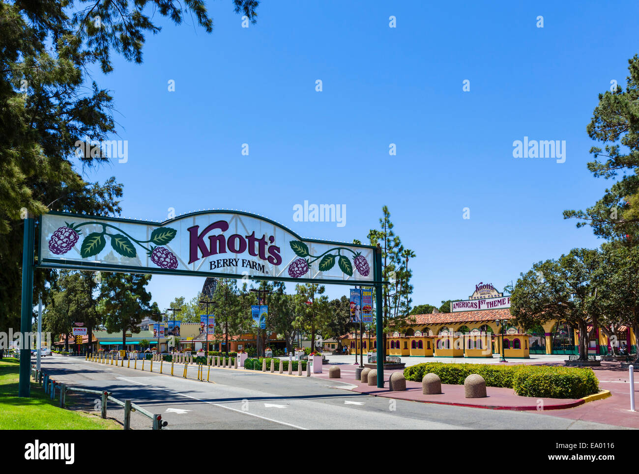 Eingang zum Knotts Berry Farm in Buena Park, Orange County, in der Nähe von Los Angeles, Kalifornien, USA Stockbild