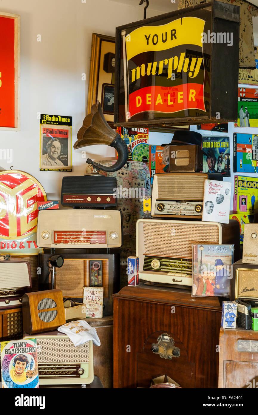 Der Land of Lost Content, ein Museum von 20c britischen Populärkultur, Craven Arms, Shropshire. Radio (drahtlose) Stockbild