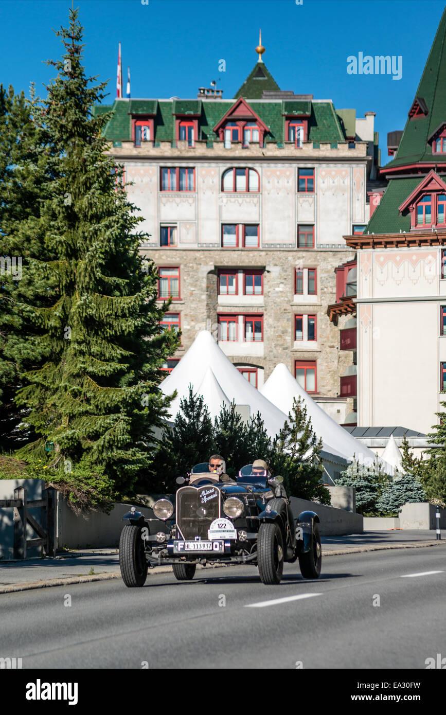 Allard Special Oldtimer vor dem Hotel Palace während der jährlichen British Classic Car Meeting 2014 St.Moritz, Stockbild