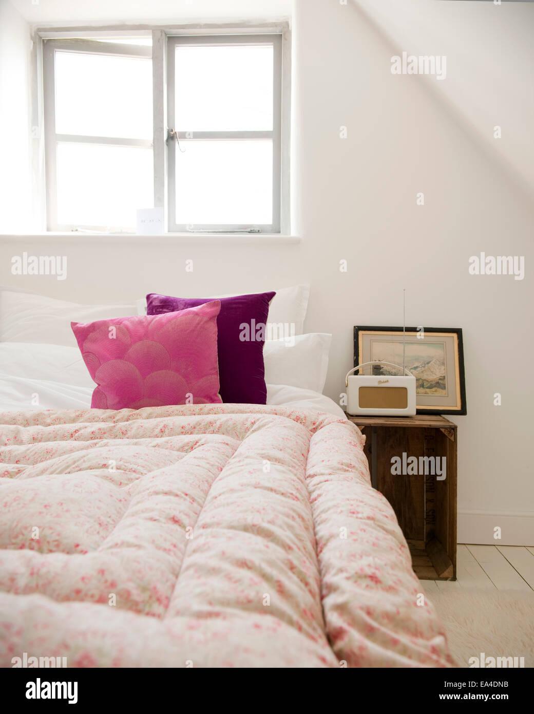 Traditional Attic Bedroom Stockfotos & Traditional Attic Bedroom ...