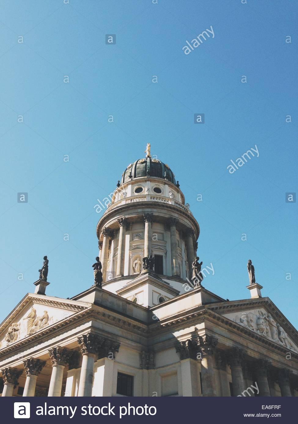 Deutschland, Berlin, niedrigen Winkel Ansicht des Konzerthauses Stockbild