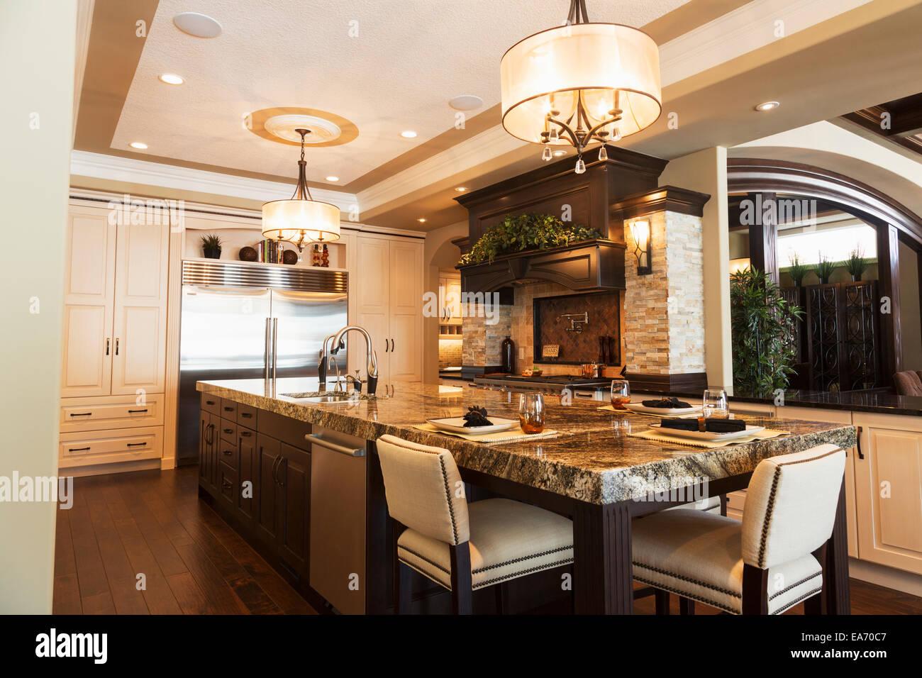 Ungewöhnlich Küche Insel Beleuchtung Kanada Ideen - Küchen Design ...