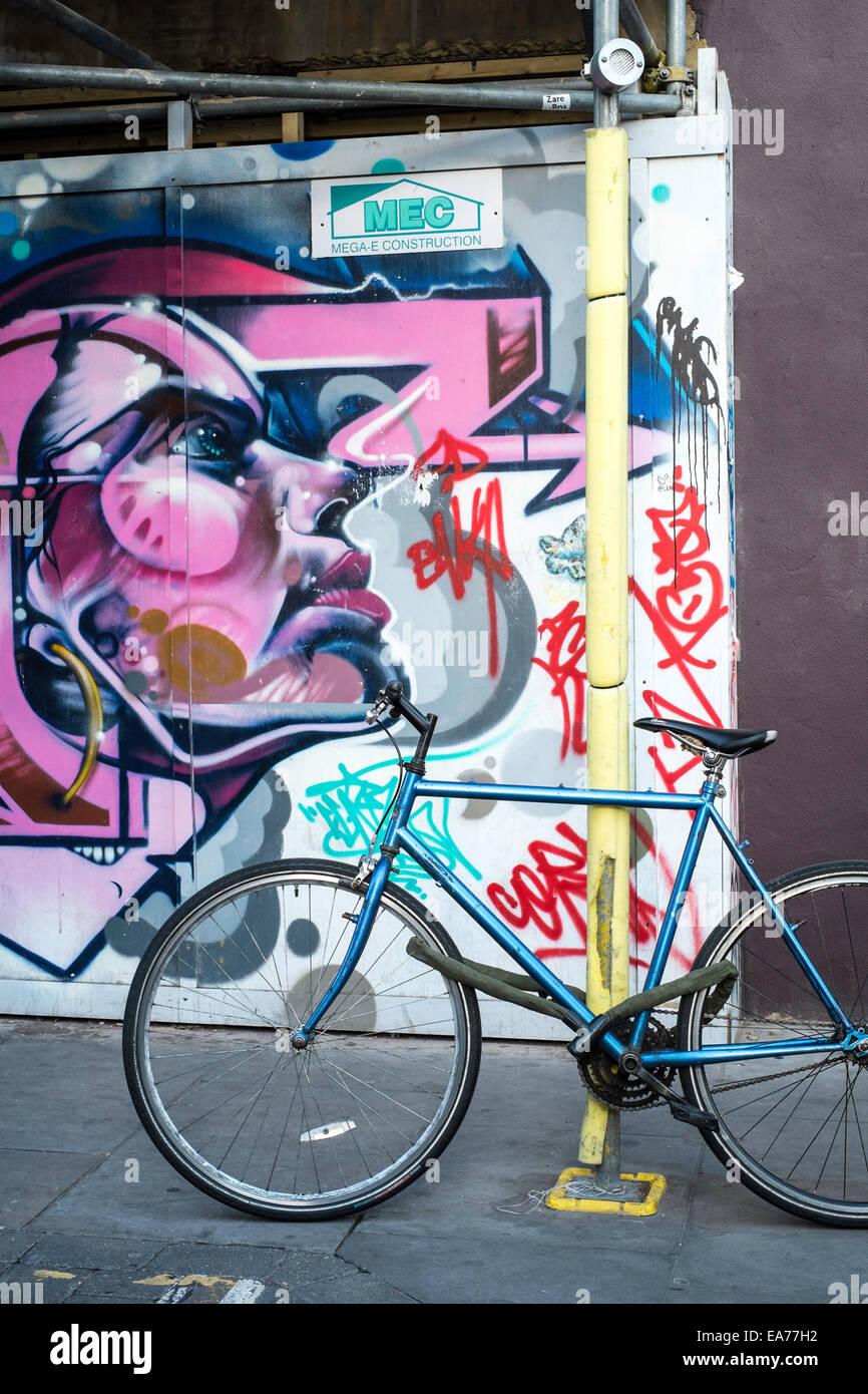 London-Graffiti-Wand-Kunst-Wandbild künstlerische UK urban Stockbild
