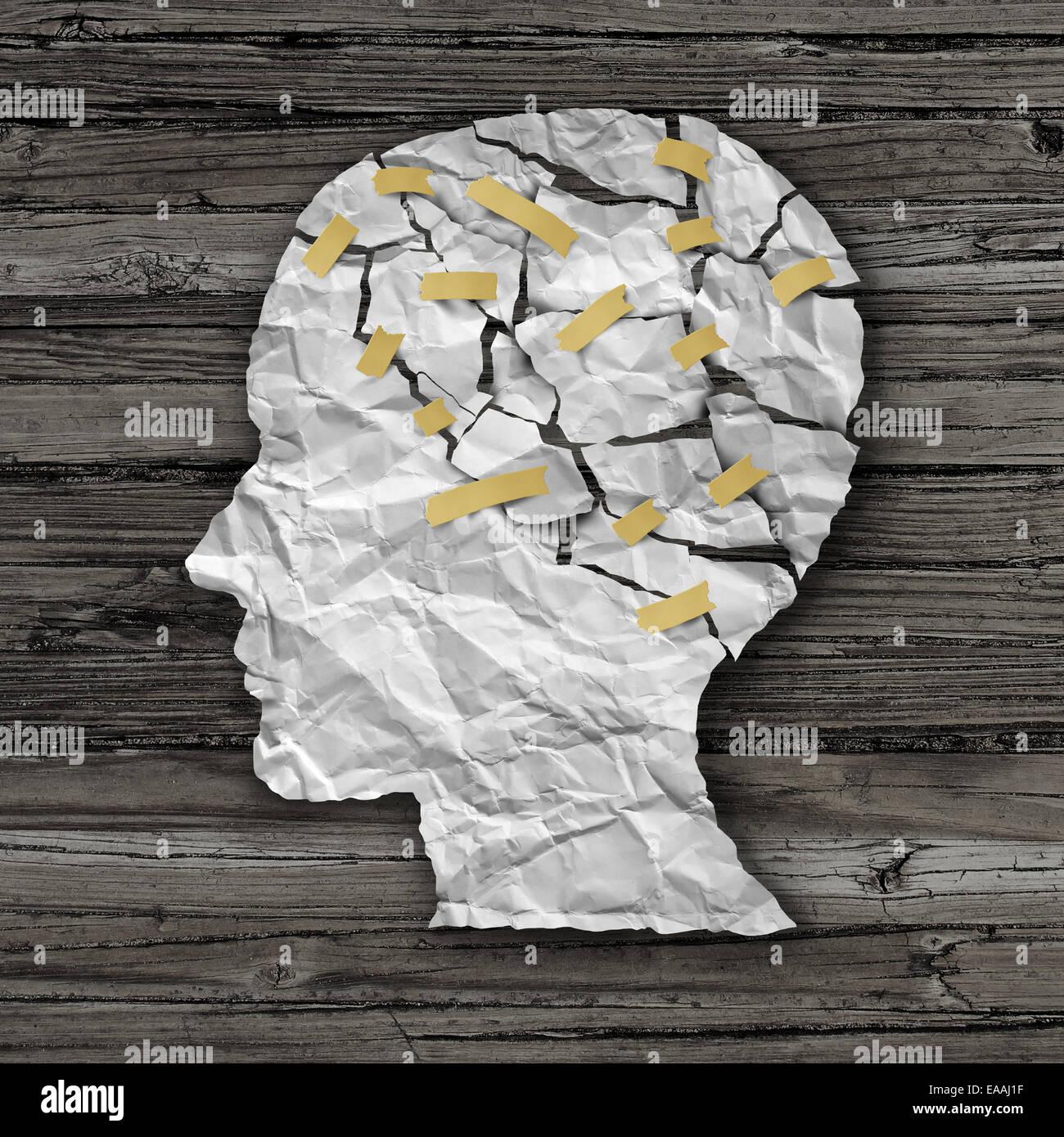 Gehirn-Krankheit-Therapie und psychische Gesundheit Behandlungskonzept als eine zerrissene zerknitterten weißes Stockbild