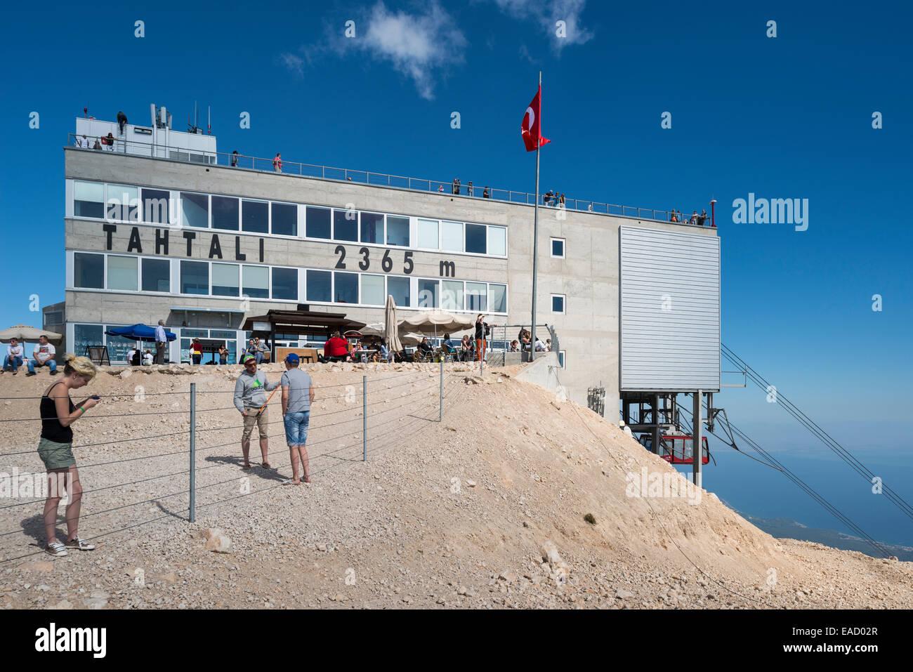Oberseite des Tahtal? Dagi Berg, 2366 m, Bergstation der Seilbahn, gebaut als türkisch-schweizerische Kooperation Stockbild