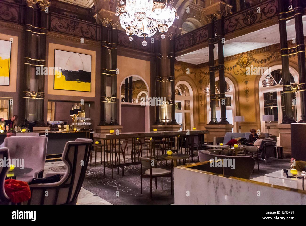 Paris, Frankreich, innen Phantasie Bar Raum, französische Luxushotel ...