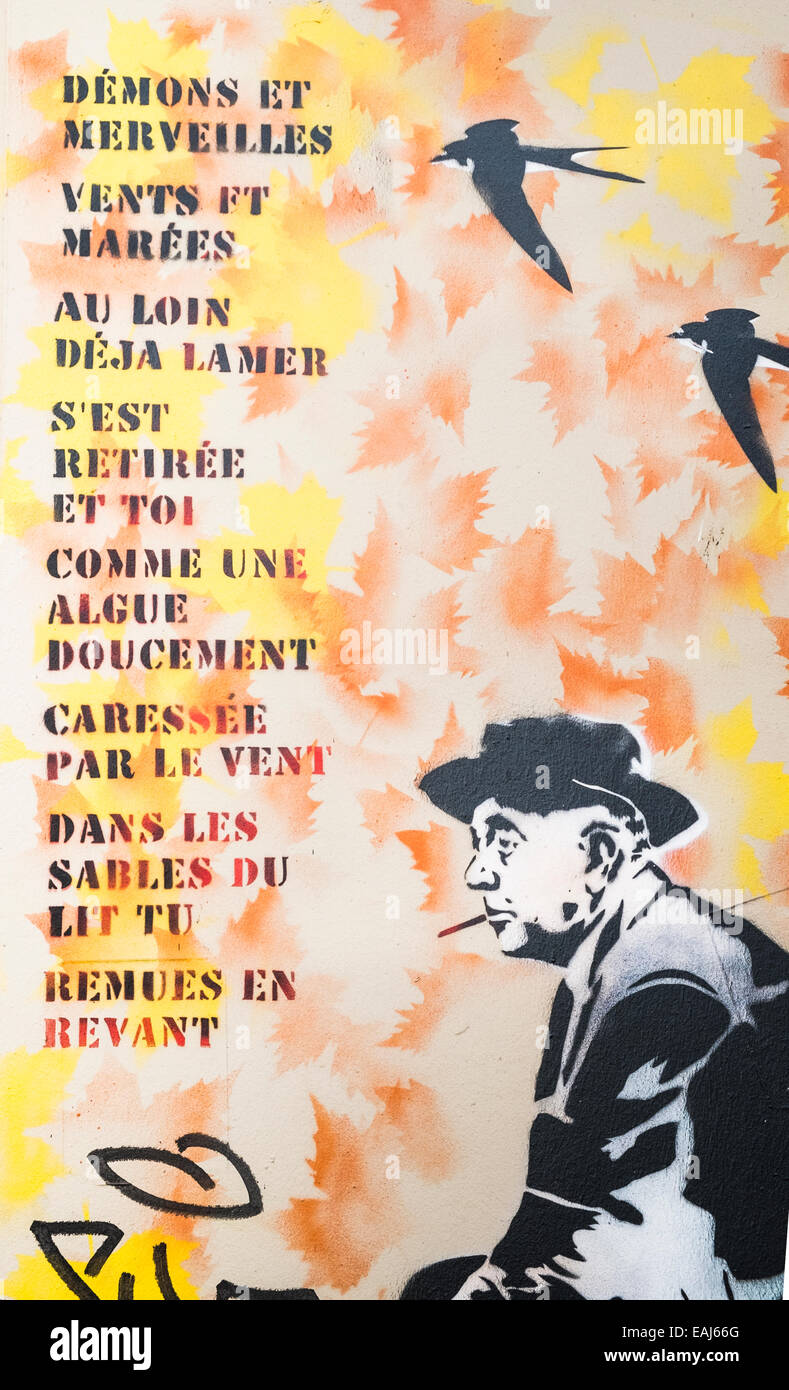 Graffito Zeigt Französische Dichter Jacques Prévert Sitzend