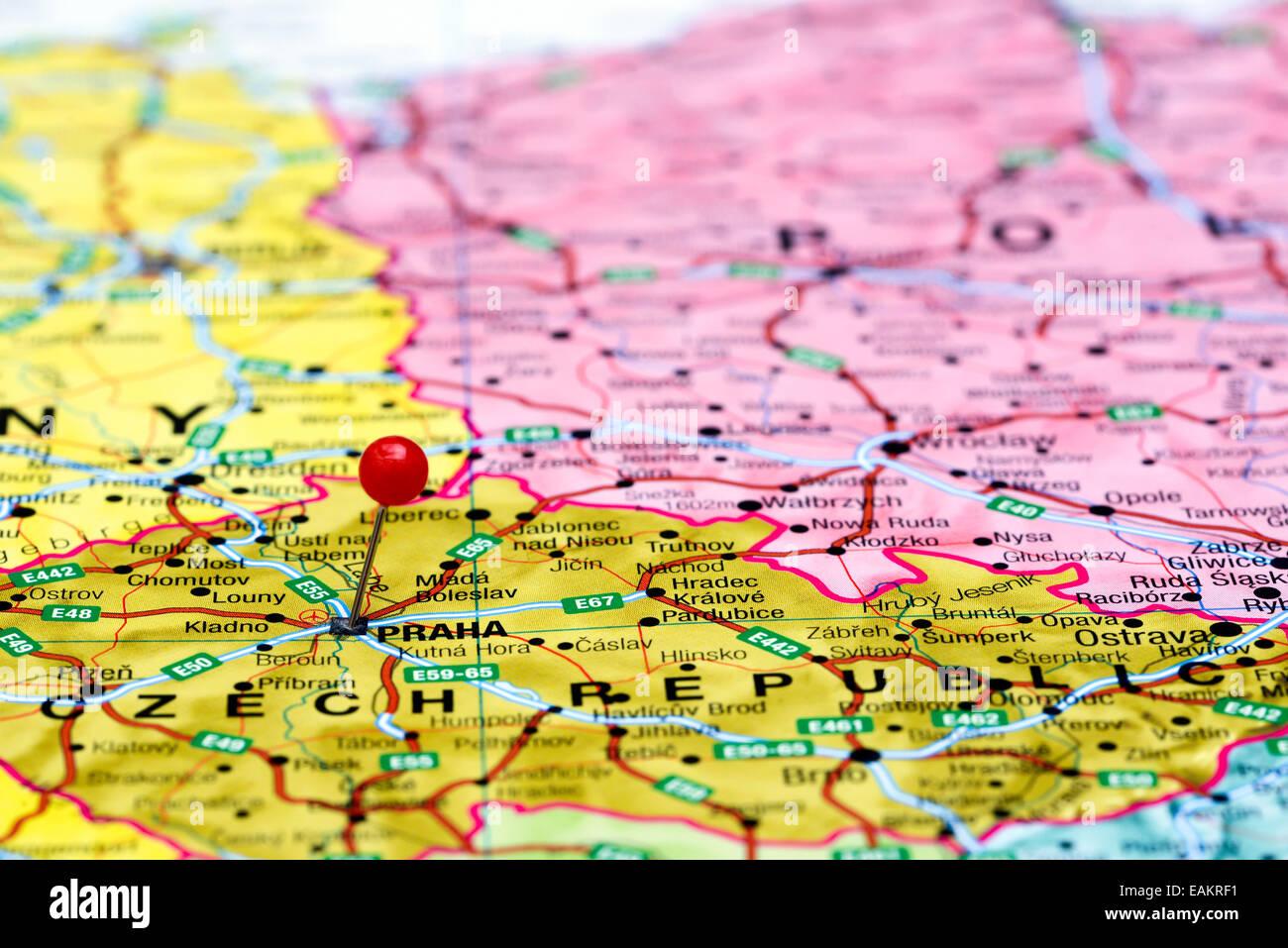 Prag Karte Europa.Prag Fixiert Auf Einer Karte Von Europa Stockfoto Bild 75423573