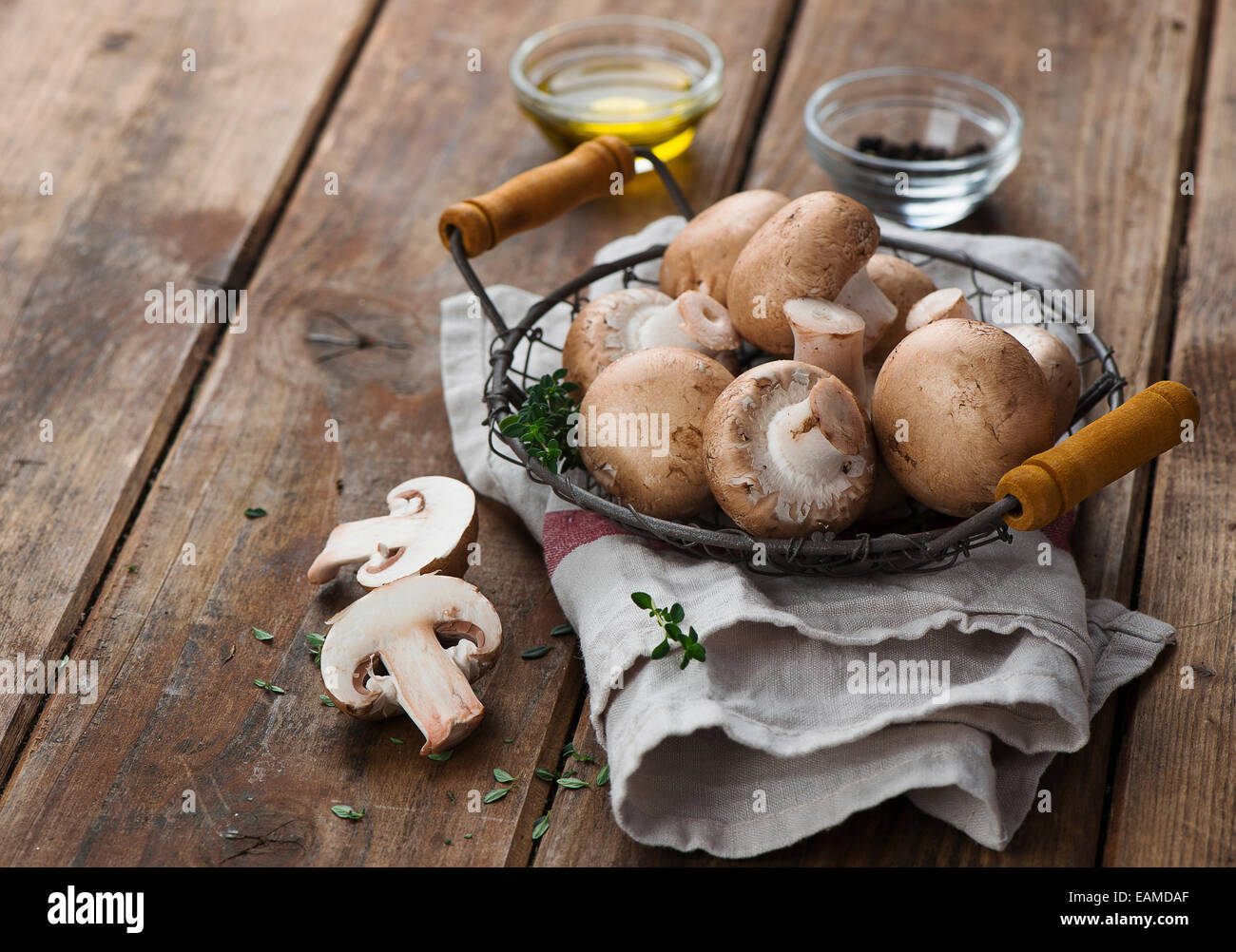 mushrooms stockfotos mushrooms bilder alamy. Black Bedroom Furniture Sets. Home Design Ideas
