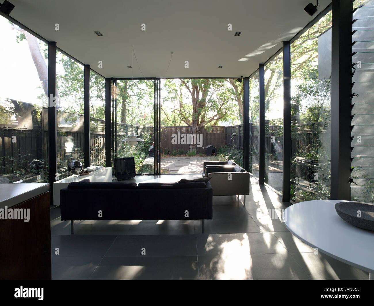 schiebetur garten, blick durch volle länge offene schiebetür vom wohnzimmer zum garten, Design ideen