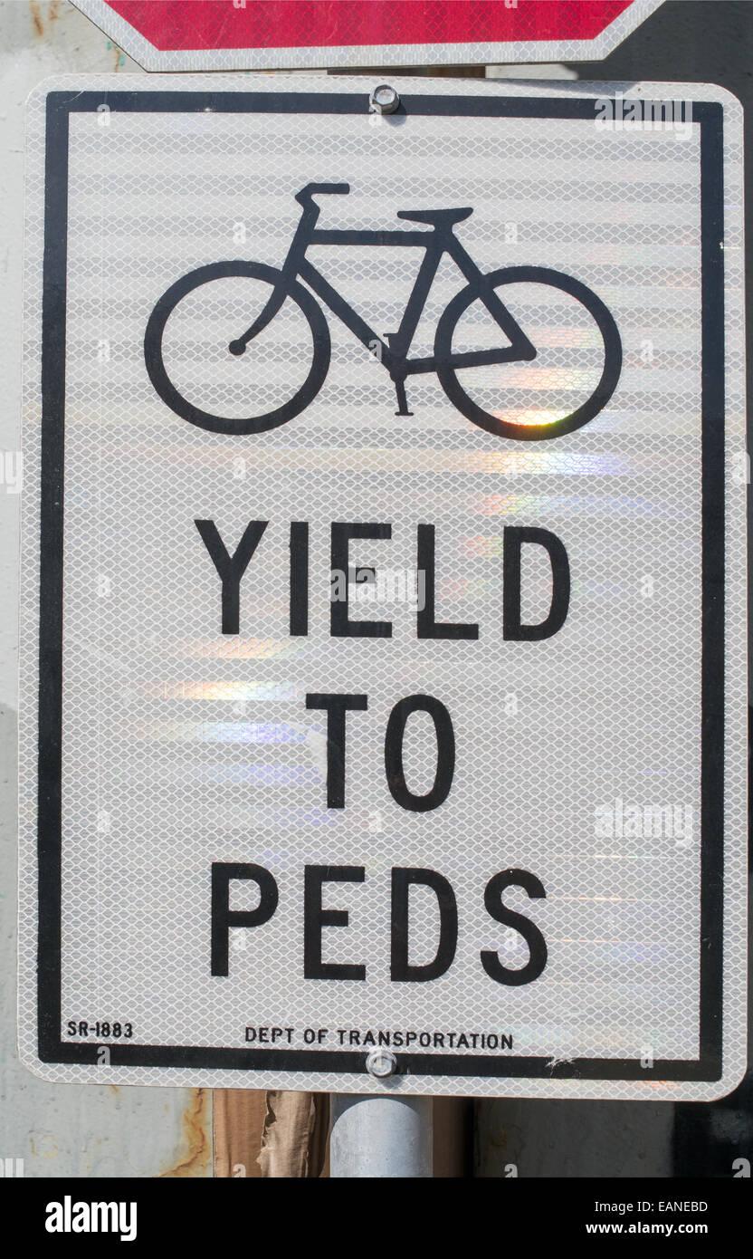 Radsport Zeichen Ausbeute nach Peds Manhattan, New York, USA Stockbild