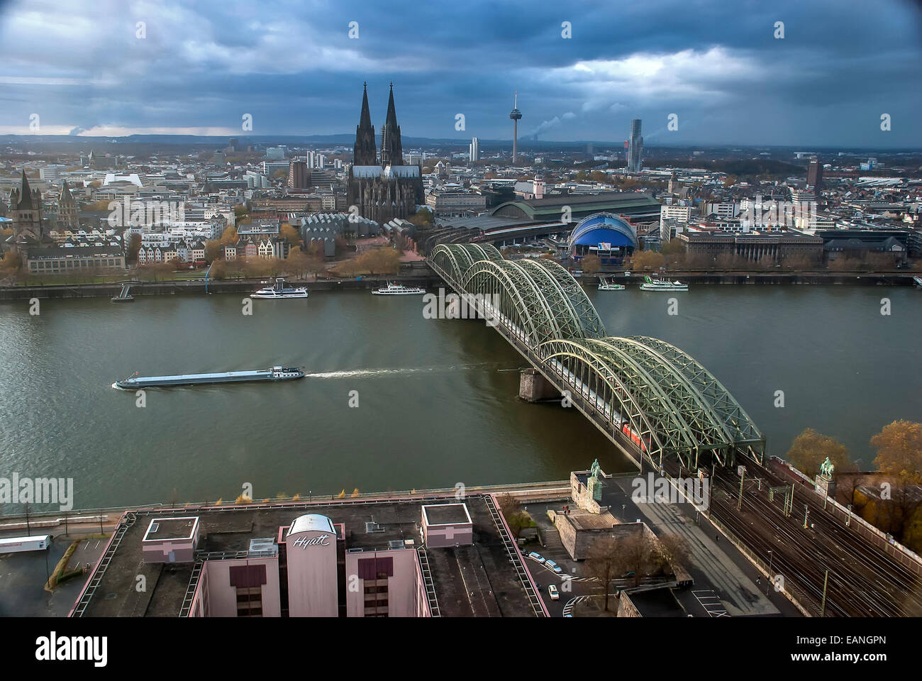 Catedral de Colônia Vista de Cima. / Birdsview des Kölner Doms Stockbild