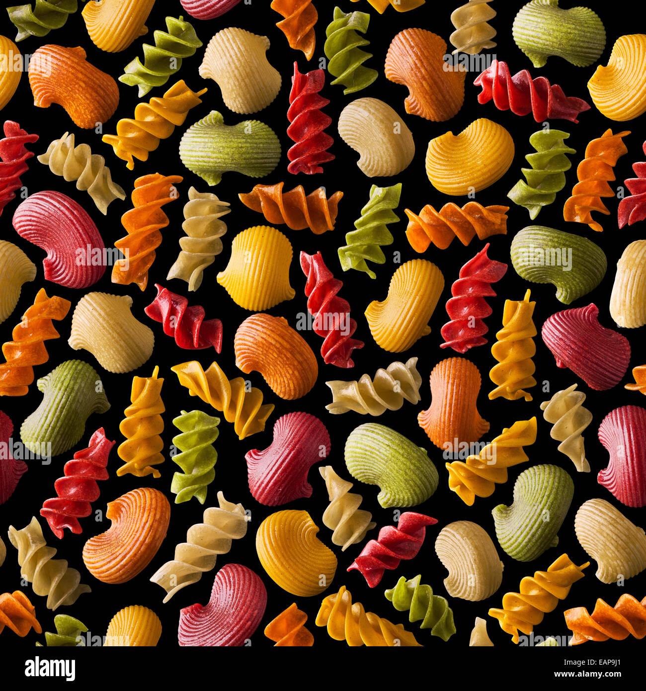 nahtlose Textur mit bunten Nudeln Stockbild