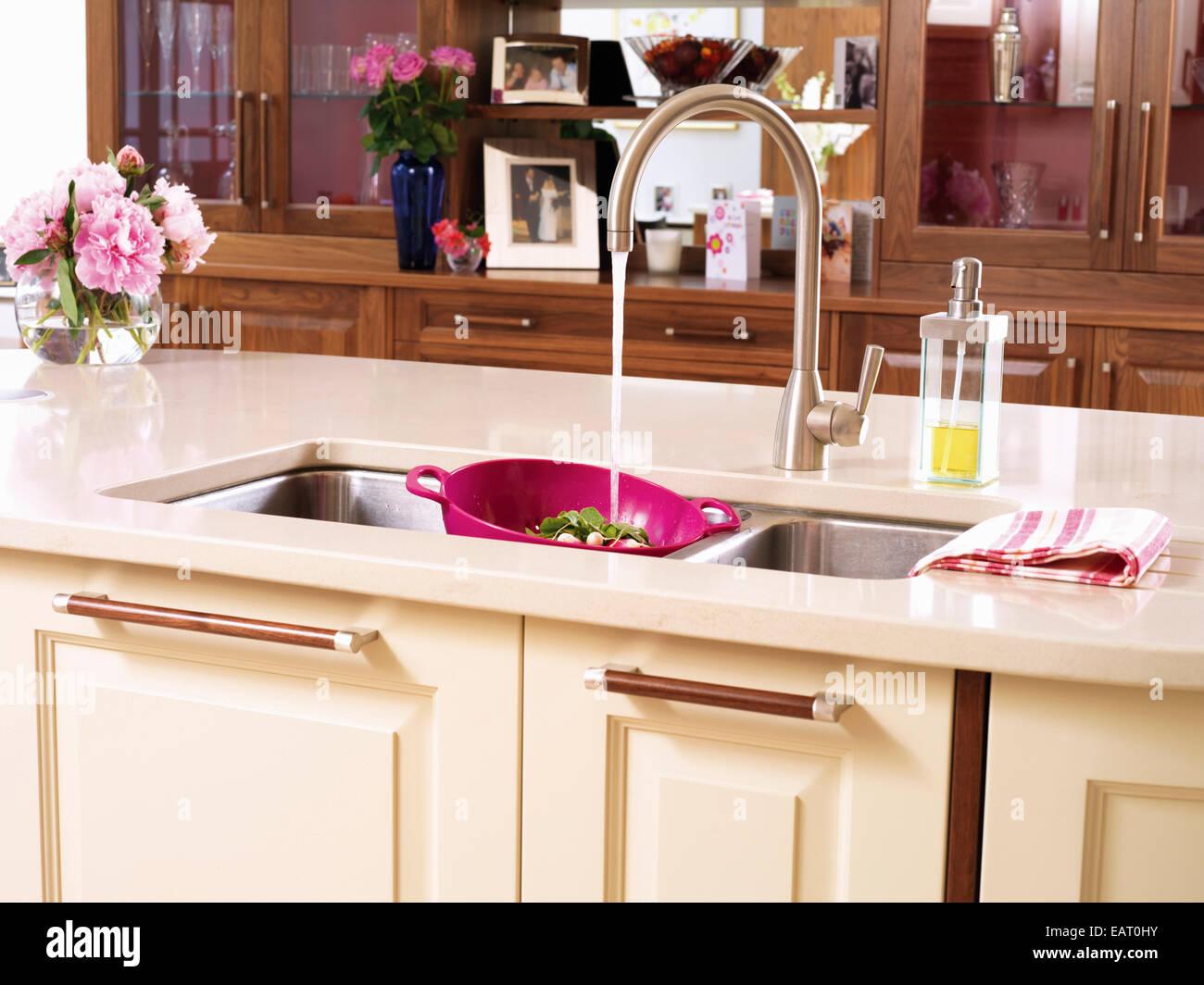 Sink Unit Stockfotos & Sink Unit Bilder - Alamy
