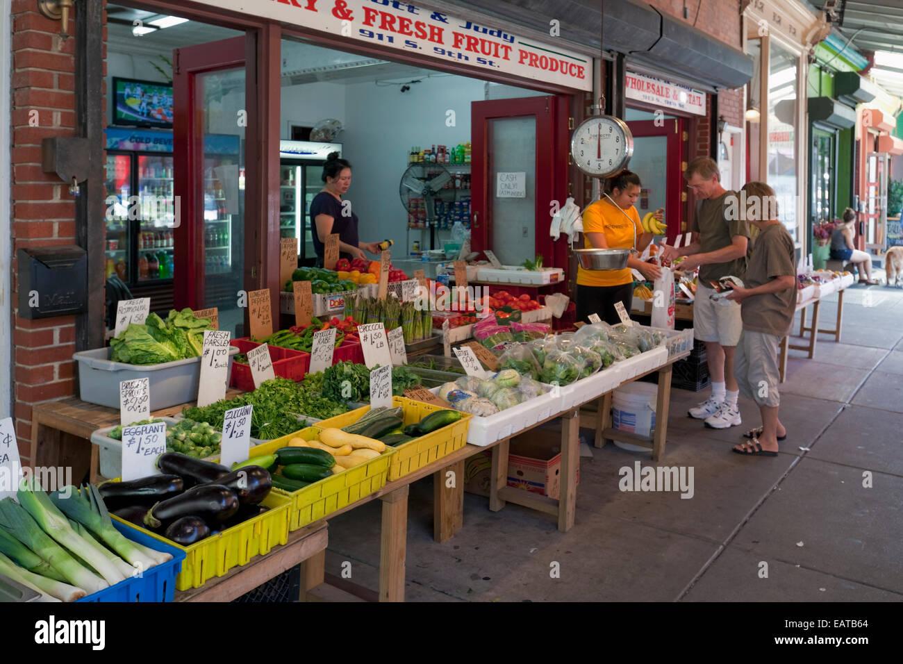 Der italienische Markt - 9. Street, Philadelphia, PA Stockbild