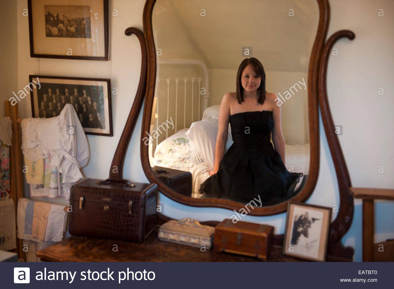 Ein junges Mädchen posiert für senior Porträts. Stockbild