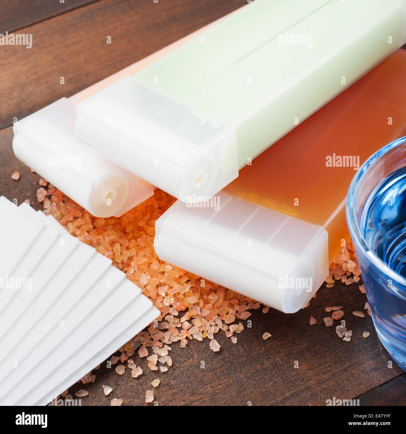 Öl Auf Dem Tisch Stockfotos & Öl Auf Dem Tisch Bilder - Alamy