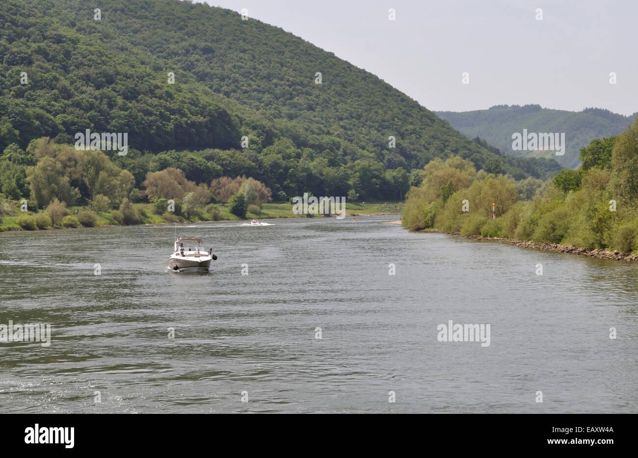 Eine deutsche Kajütboot Katharina auf der Mosel River, Deutschland. Stockbild