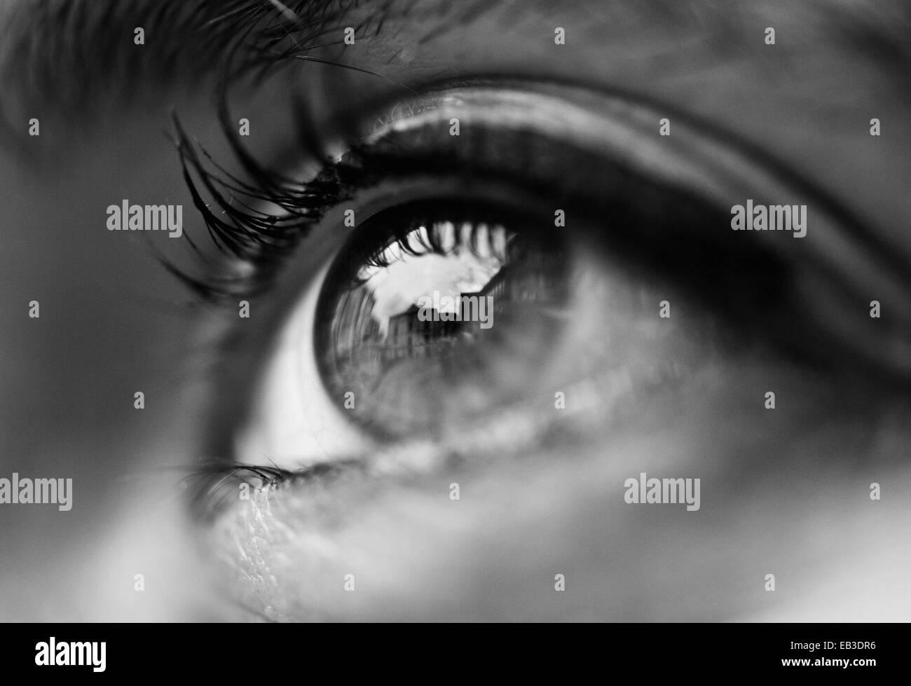 Nahaufnahme einer Frau Auge Stockbild