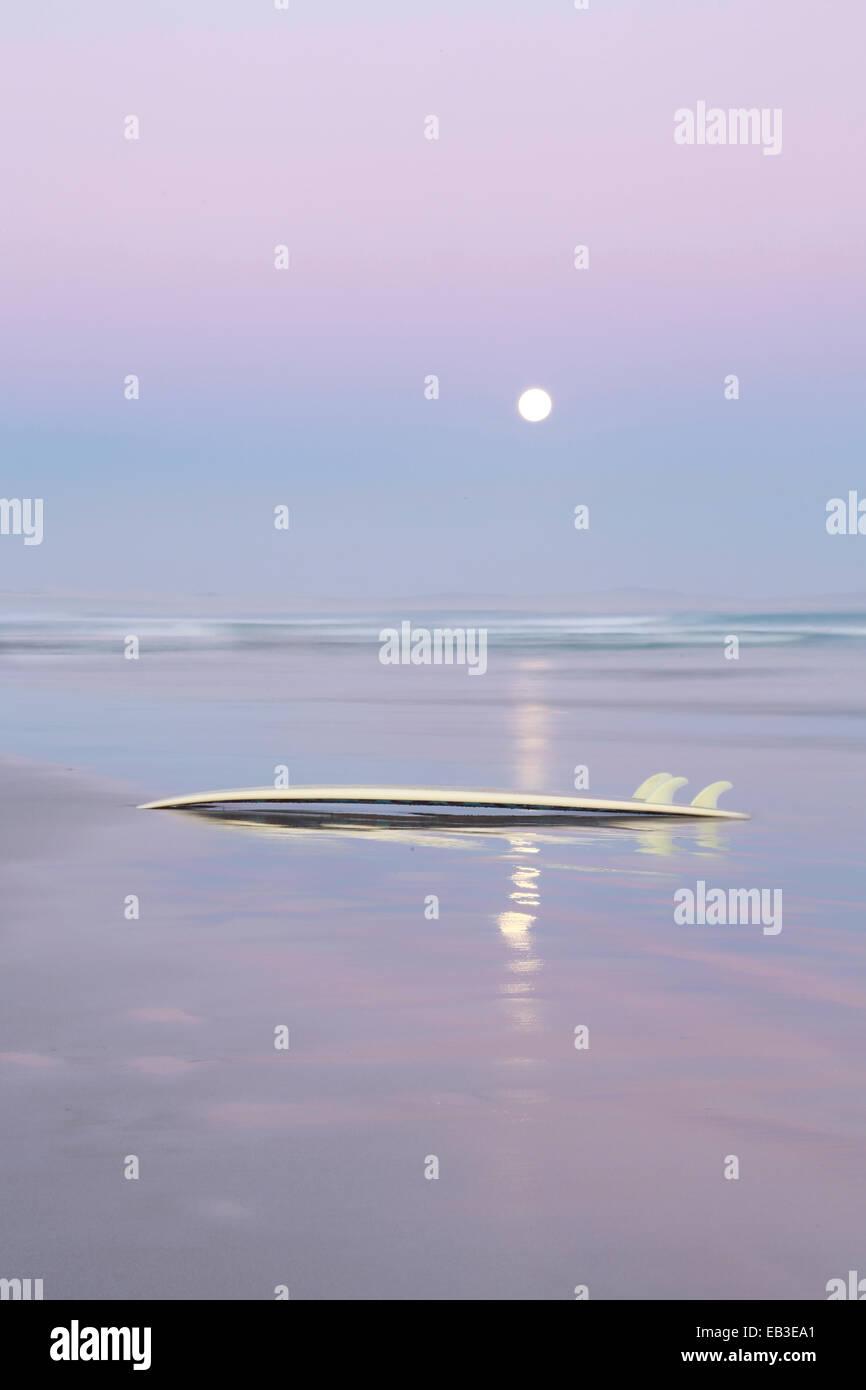Australien, Sonne über Wasserhorizont Stockbild