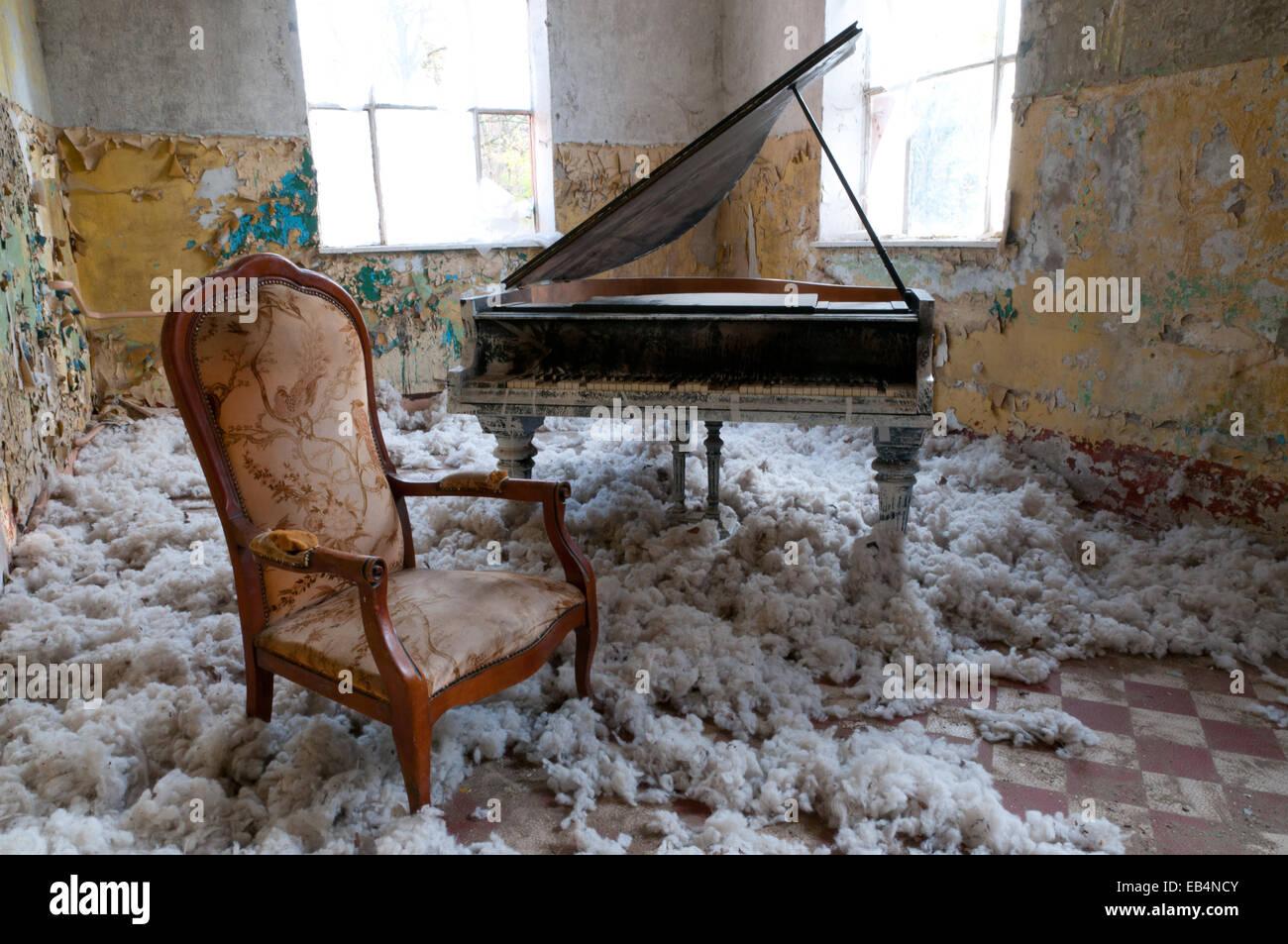 Artistic Sessel Berlin Reference Of Klavier Und Links Verlassen Hinter In Beelitz