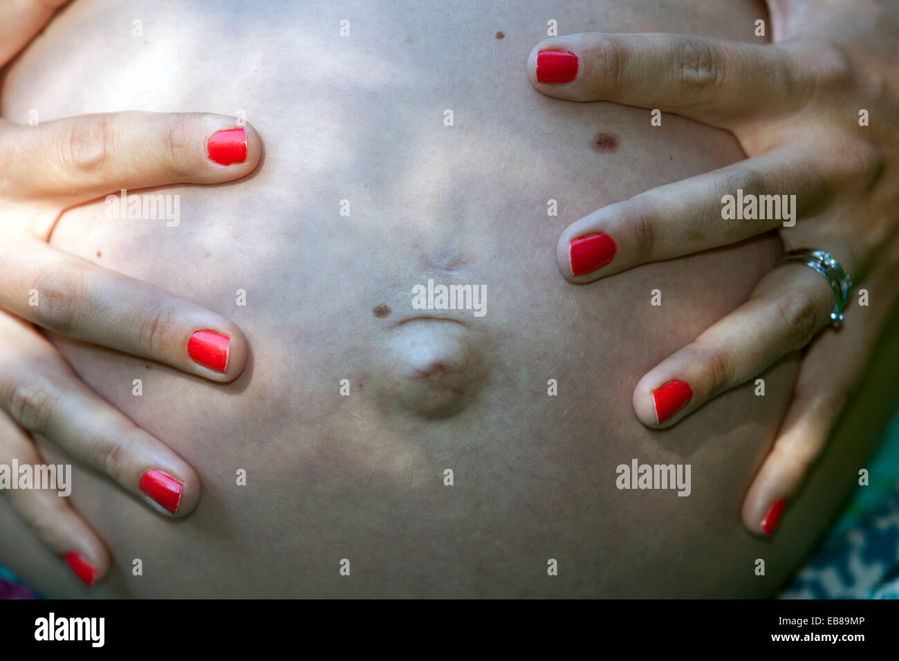 Red Nails Stockfotos & Red Nails Bilder - Alamy