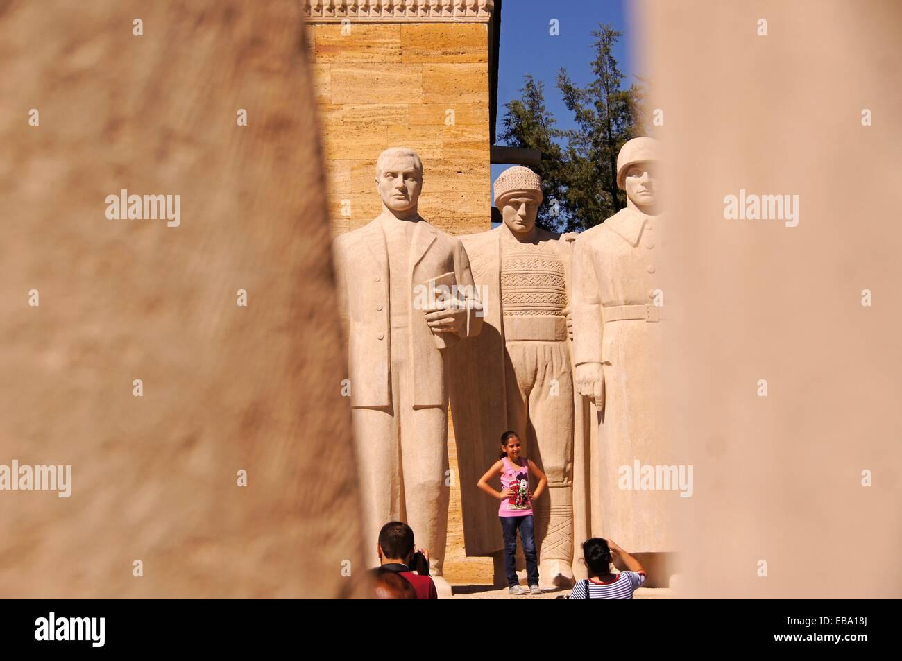 Statuengruppe der Männer innerhalb der Anitkabir (Atatürks Mausoleum) Website in Maltepe Quartal Ankara Stockbild