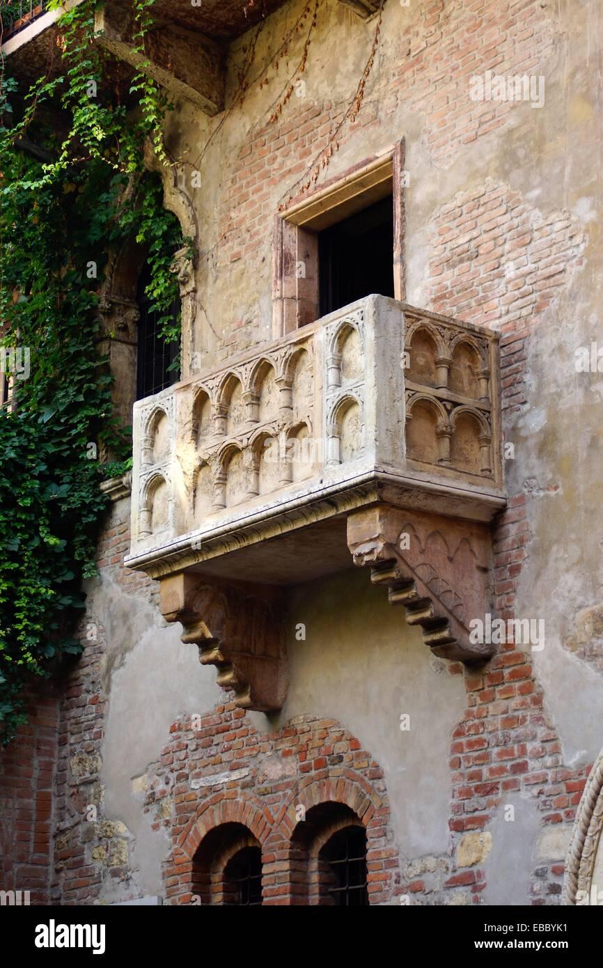 Verona Italien Balkon Von Romeo Und Julia In Das Haus Bekannt Als