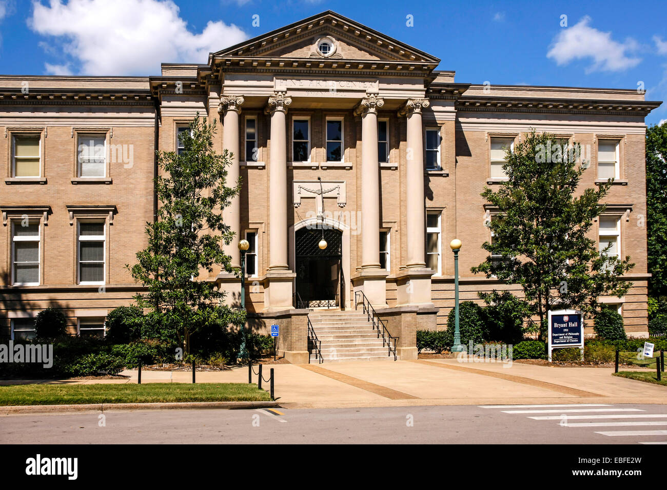 Bryant Hall - Fine Arts Center auf dem Campus der Ole Miss University of Mississippi in Oxford. Stockbild