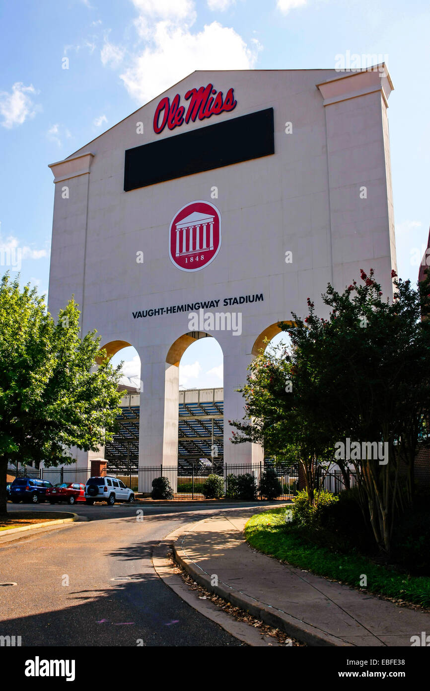 Das Vaught Hemmingway-Stadion auf dem Campus der Ole Miss University of Mississippi in Oxford. Stockbild