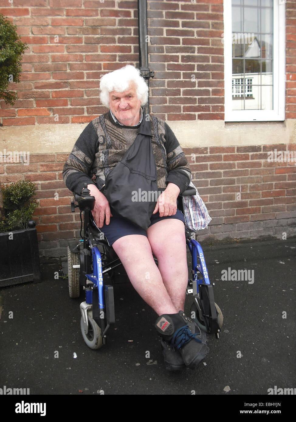 Behinderten im Rollstuhl Stockbild