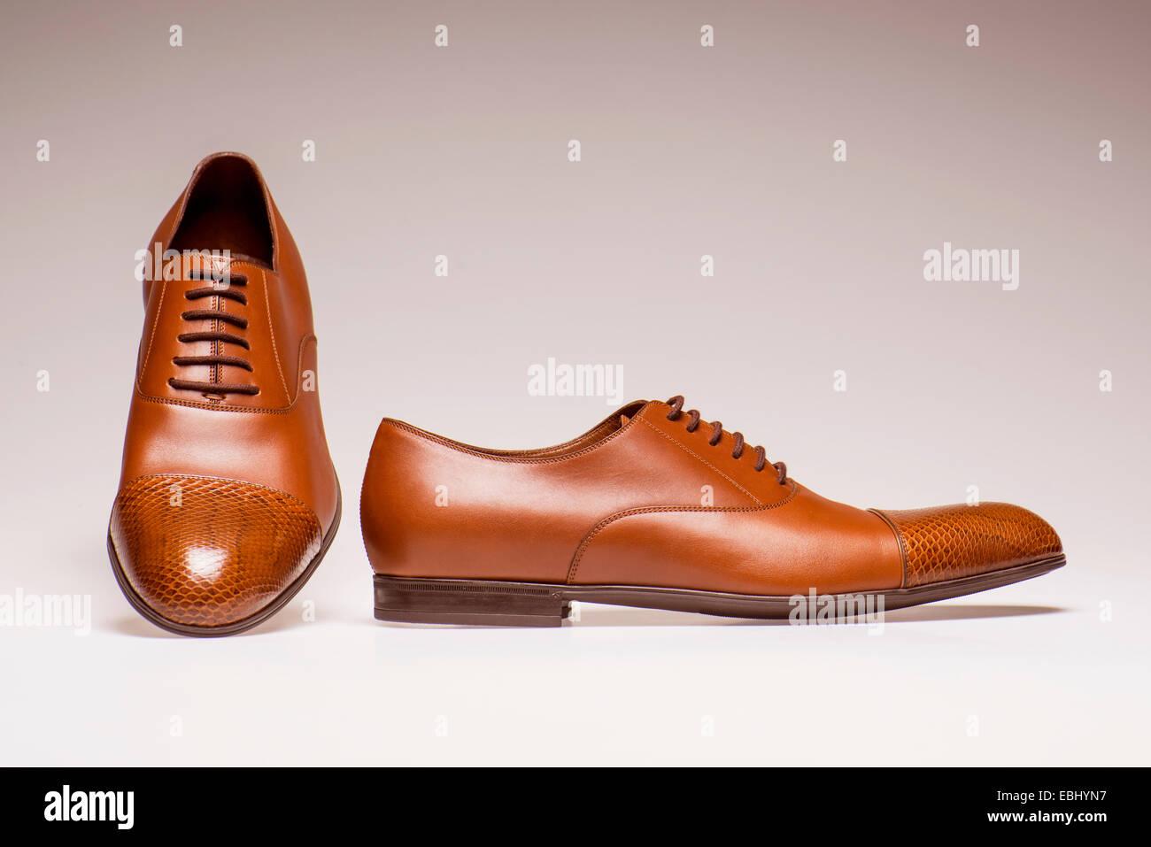 Herren Schuhe isoliert auf weißem Hintergrund Stockfoto, Bild ... a060d786f6