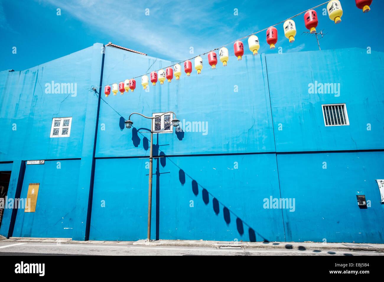 Blaues Gebäude in Chinatown in Singapur Stockfoto