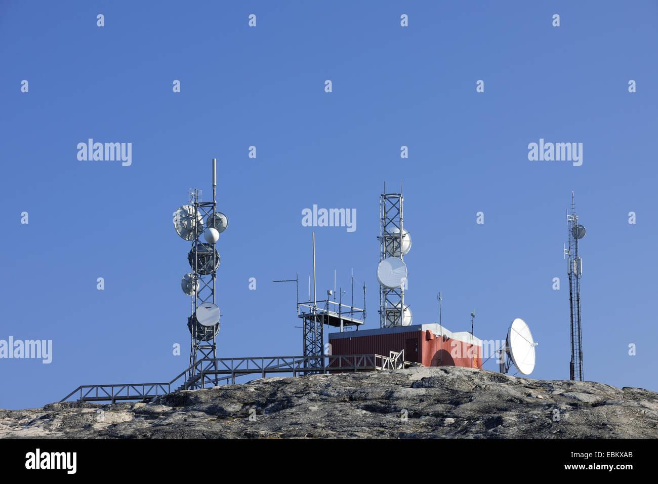 Radio und Sat-Antennen auf Hügel, Ilulissat, Grönland Diskobucht Stockbild