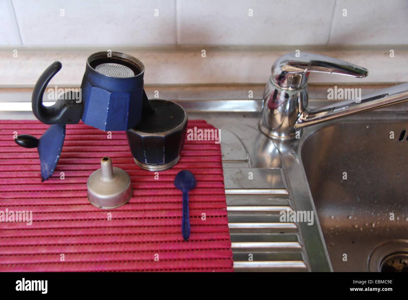 Waschmaschinen, die an Ihre Küchenspüle anlegen
