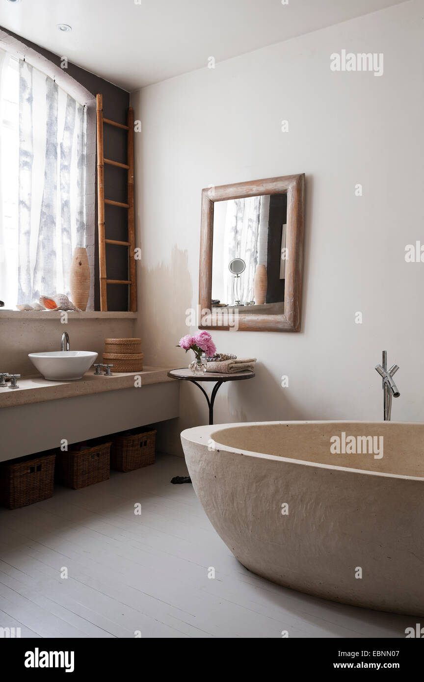 Ikea Vorhange Im Badezimmer Mit Konkreten Bad Der Boden Ist Im