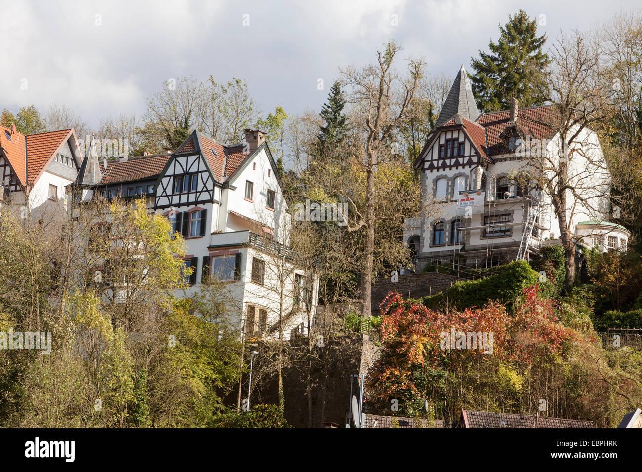 Wohnhaus, Altena, Lennetal, Maerkischer Kreis, Sauerland, Nordrhein-Westfalen, Deutschland, Europa, Wohnhäuser, Stockbild