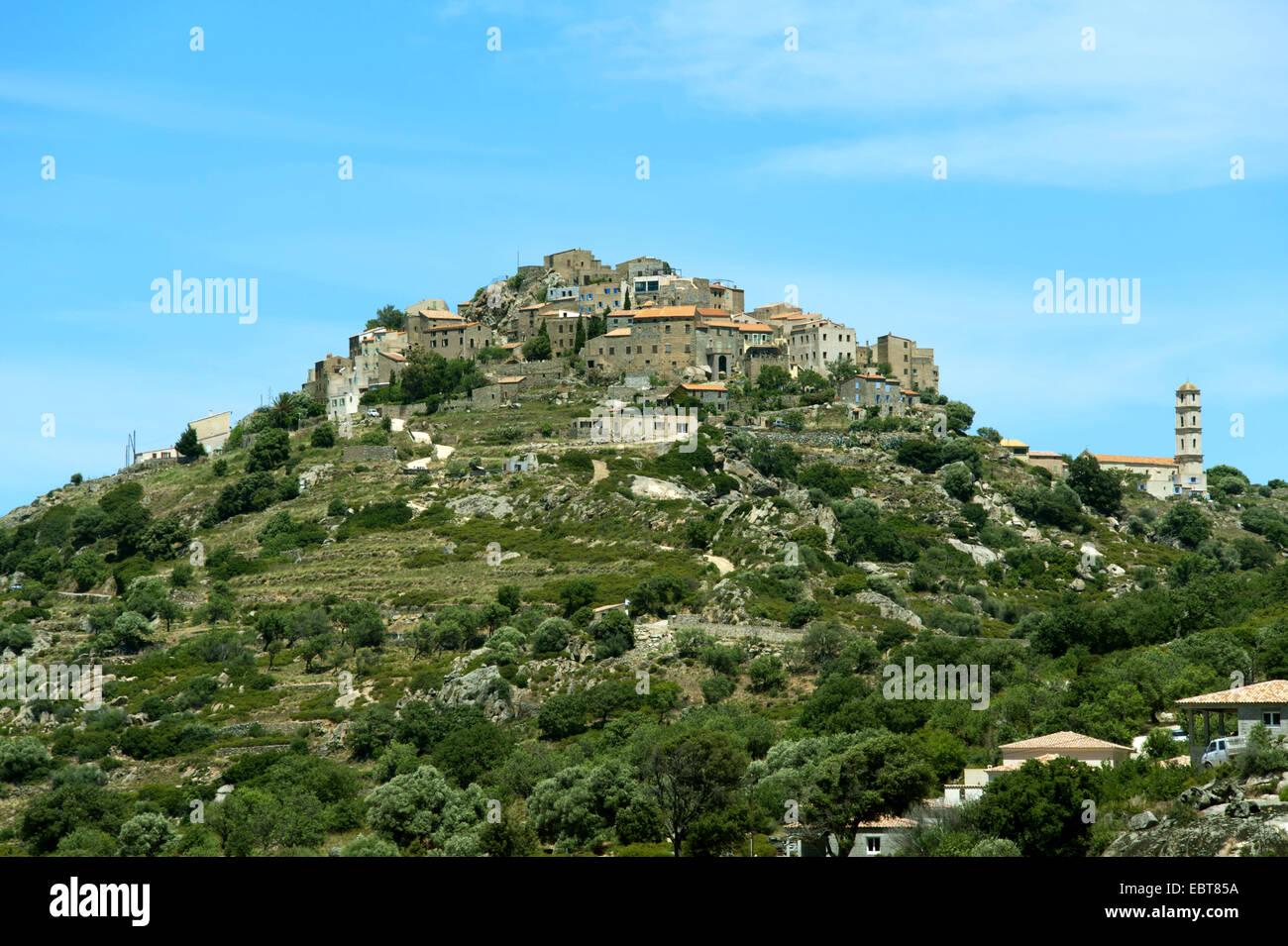 Gemeinde Sant Antonino auf Berggipfel, Frankreich, Korsika, Sant Antonino Stockbild