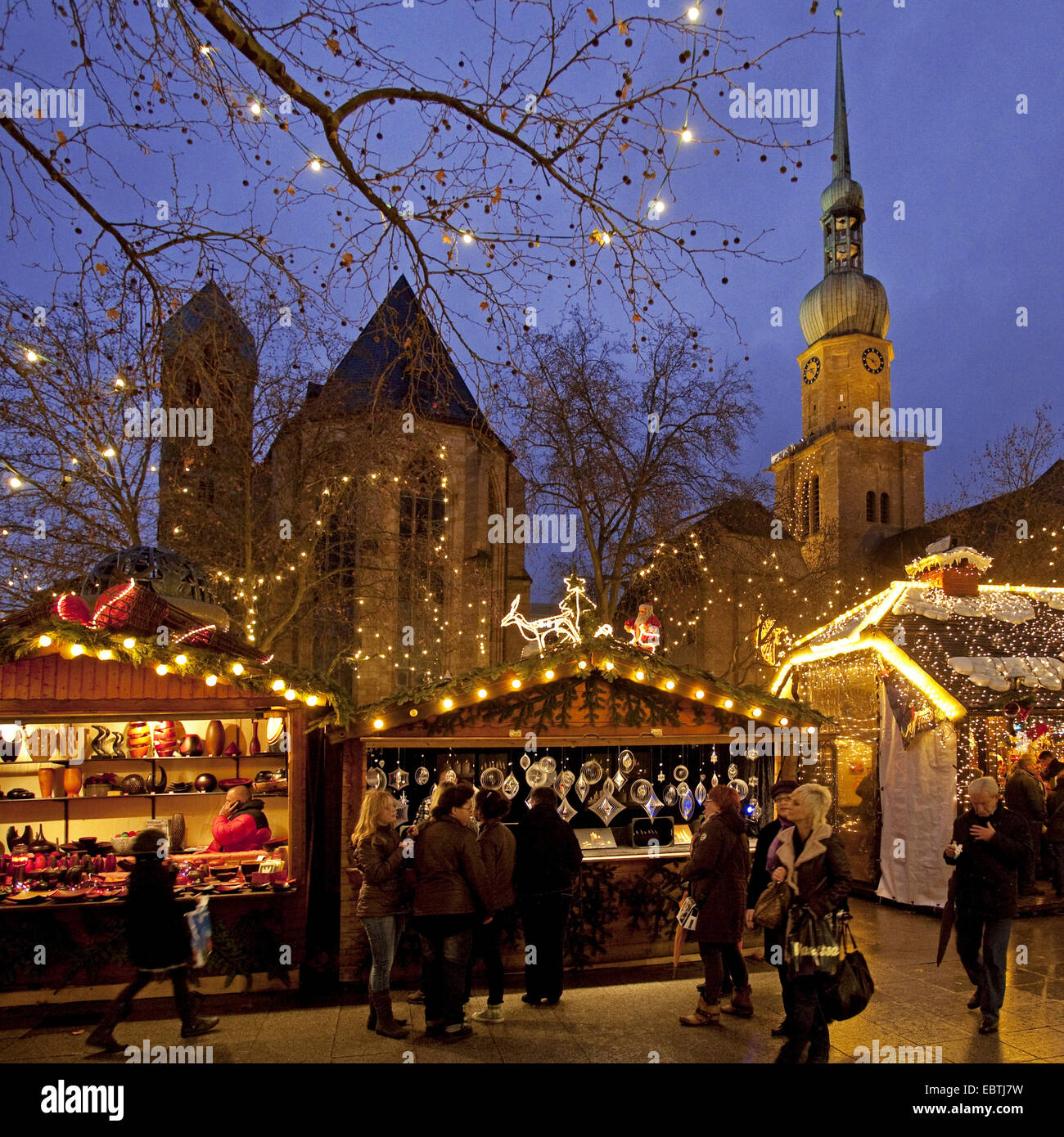 Weihnachtsmarkt In Der Innenstadt Reinoldikirche Und