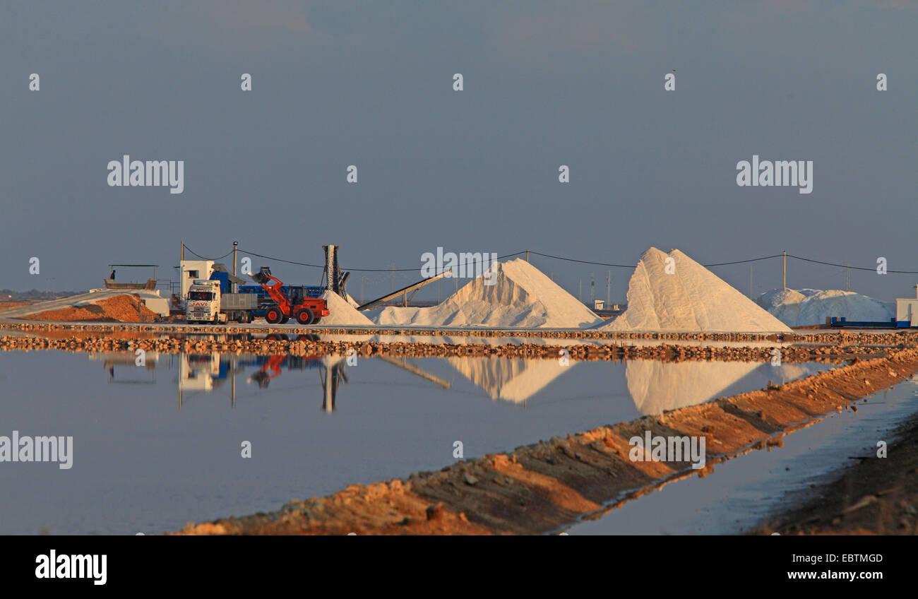 Salzproduktion eine Kochsalzlösung, Spanien, Sanlucar de Barrameda Stockbild