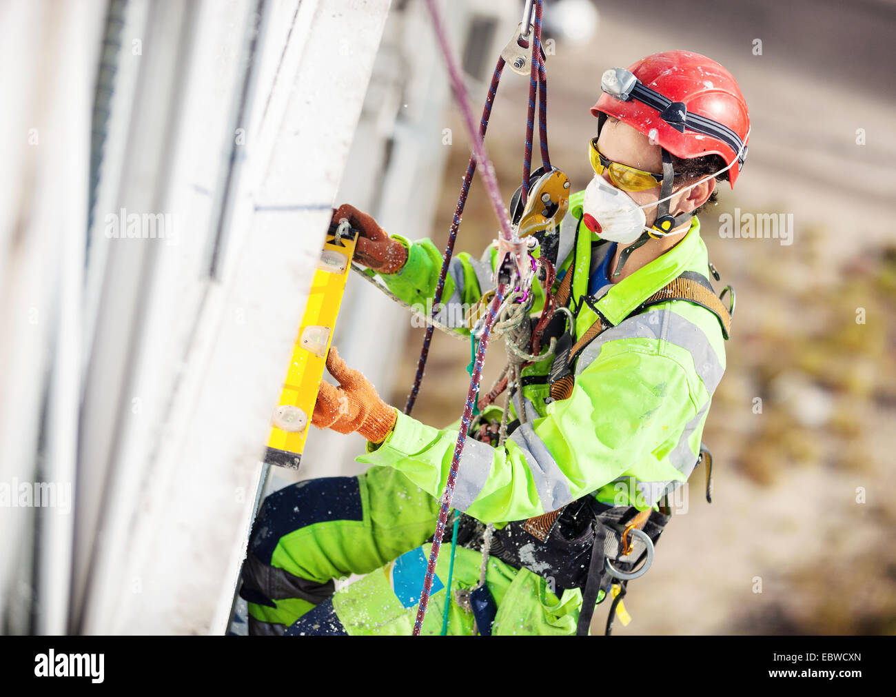 Klettergurt Taille Messen : Safety harness and work stockfotos & bilder