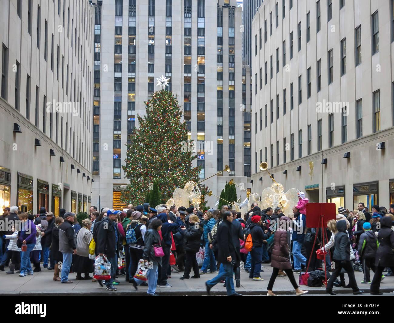 Rockefeller plaza christmas stockfotos rockefeller plaza christmas bilder alamy - Weihnachtsbaum rockefeller center ...