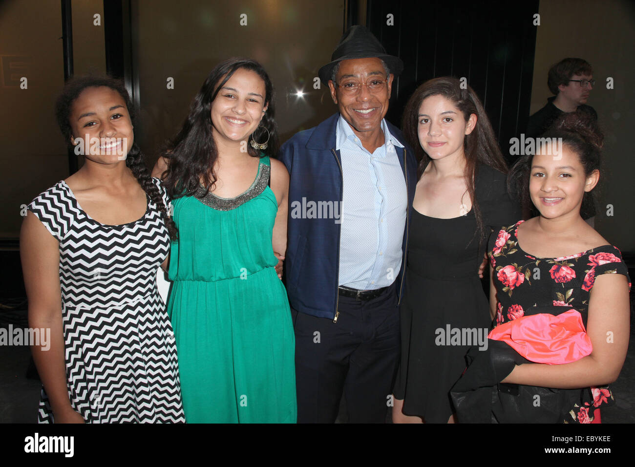 Giancarlo Esposito With Daughters Stockfotos Giancarlo Esposito