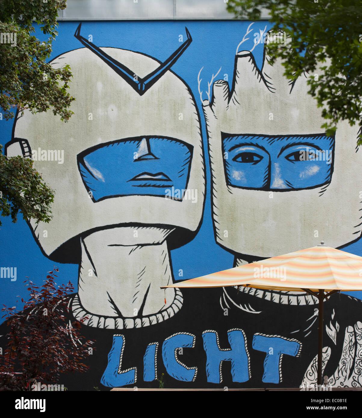 Wandbild mit dem Titel Licht (Licht) in Berlin Kreuzberg. Stockbild
