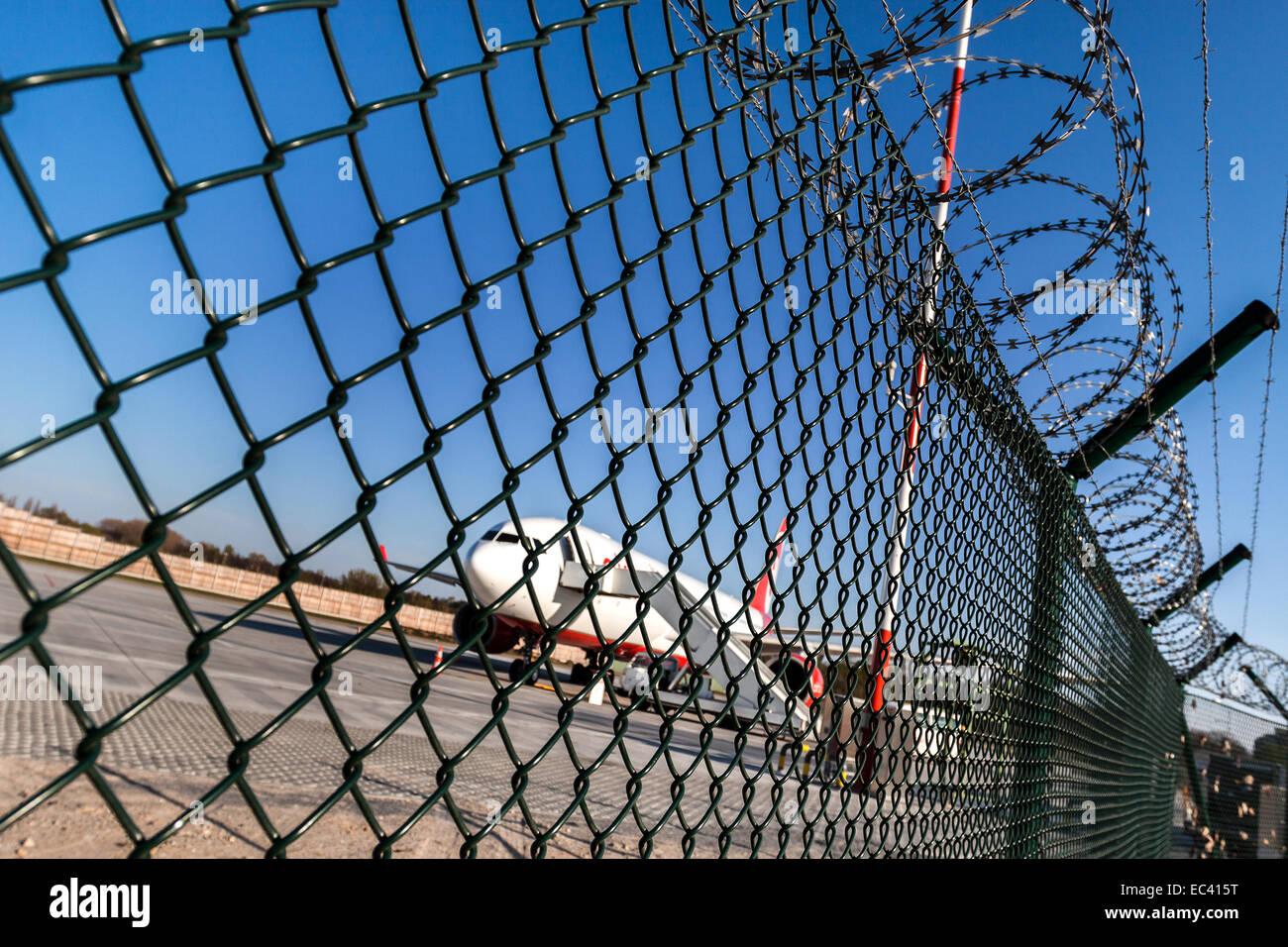Wire Mesh Chain Wire Stockfotos & Wire Mesh Chain Wire Bilder - Alamy