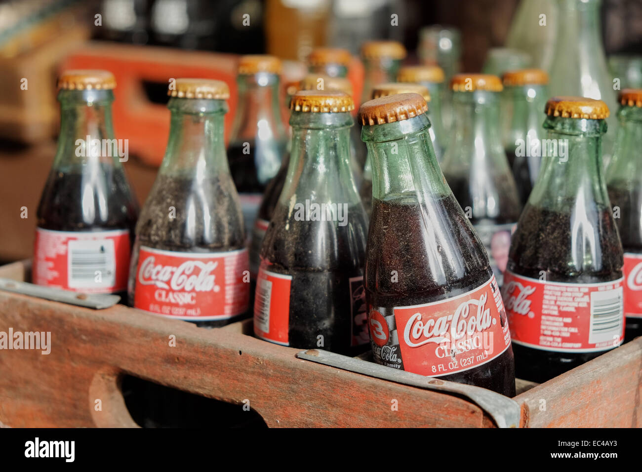 old coca cola bottles stockfotos old coca cola bottles. Black Bedroom Furniture Sets. Home Design Ideas
