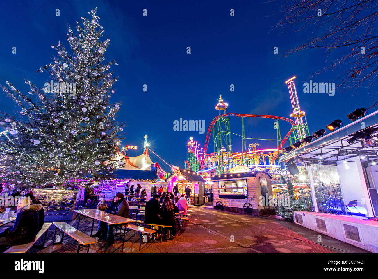 Winter-Wunderland Hydepark bei Nacht-London-UK Stockfoto